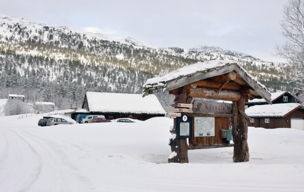 Fine forhold på Kårvatn - bra med snø både i målområdet og i Dalalia.  Foto: Jon Olav Ørsal