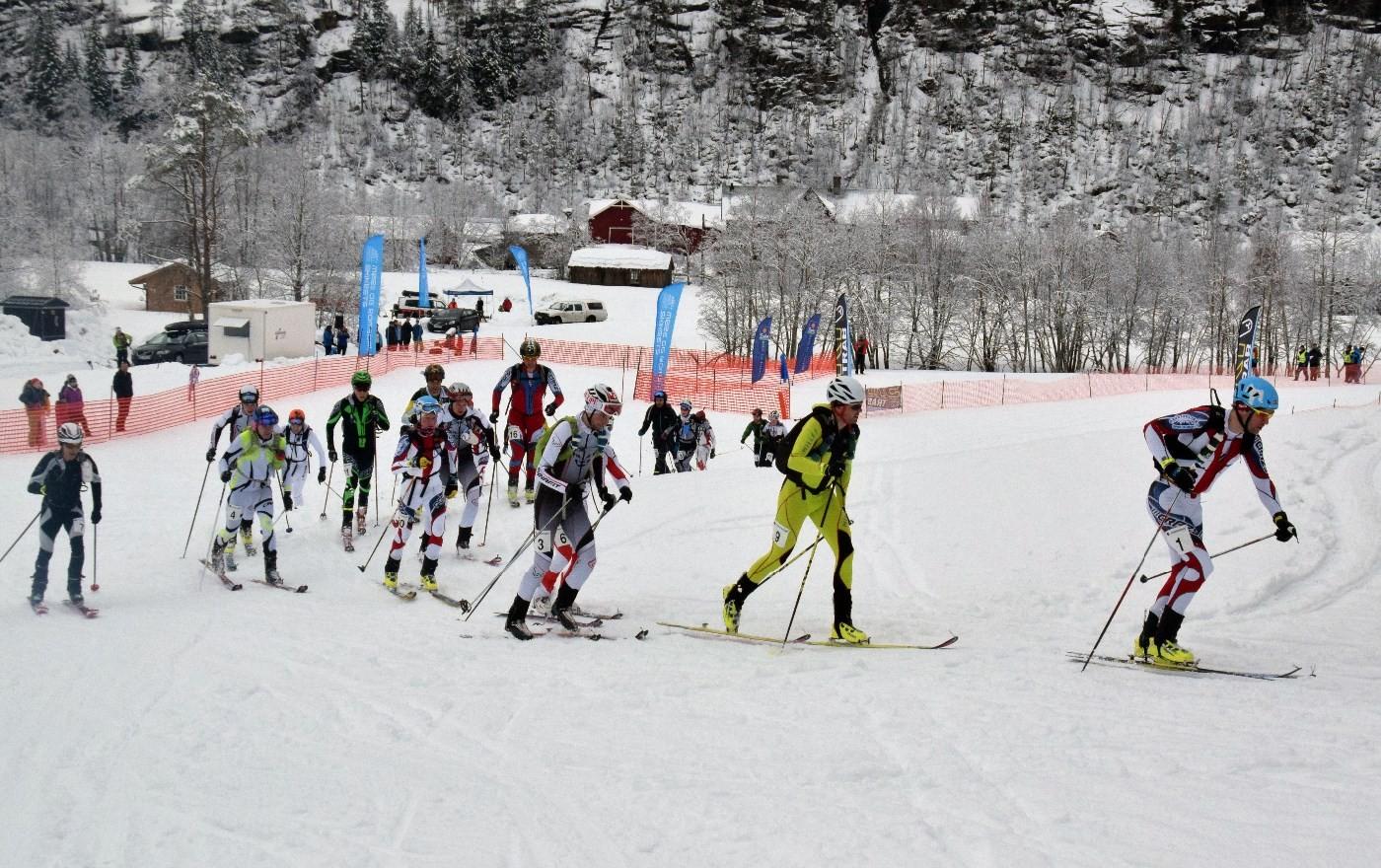Tronvoll stakk først til skogs, og den posisjonen klarte han å halde på gjennom heile løpet.  Foto: Jon Olav Ørsal