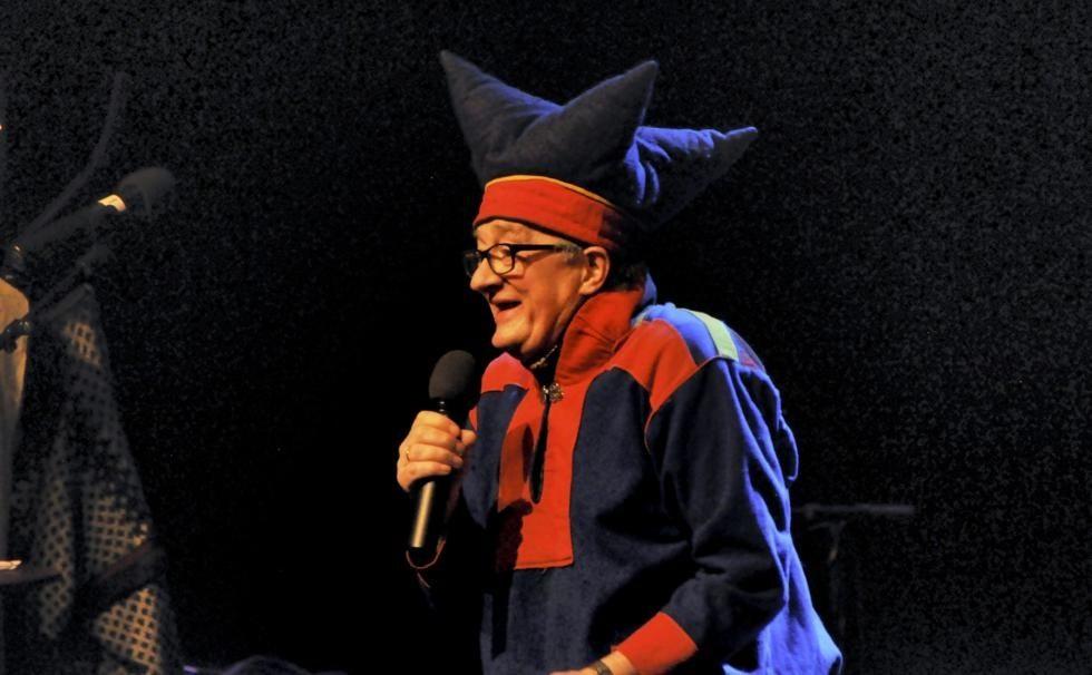 Det blir mykje humor på kulturhuset laurdag kveld. Foto: Surnadal kulturhus