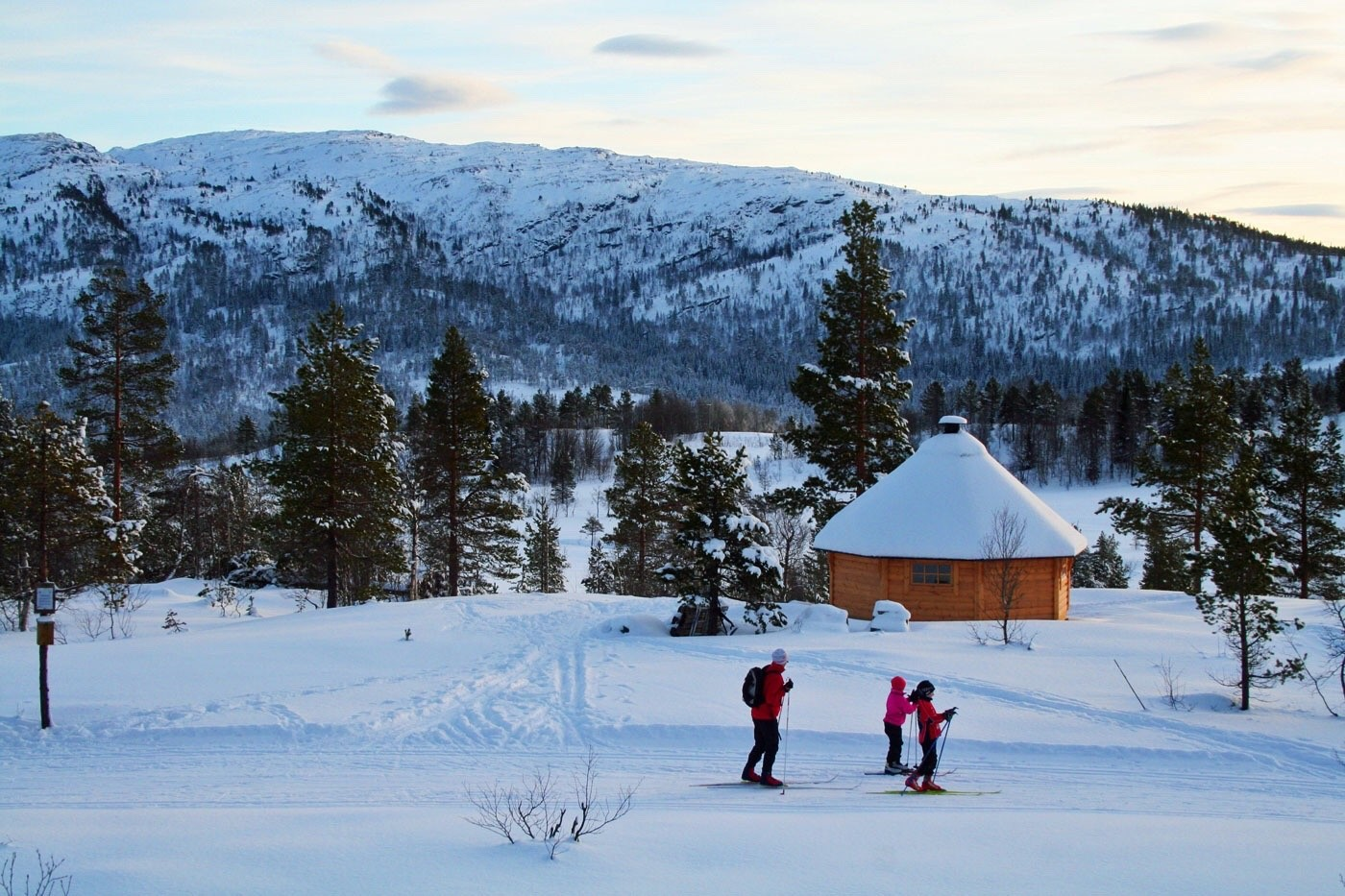 52/17 Søndagsturen: Skitur til grillhytta i Grønlifeltet