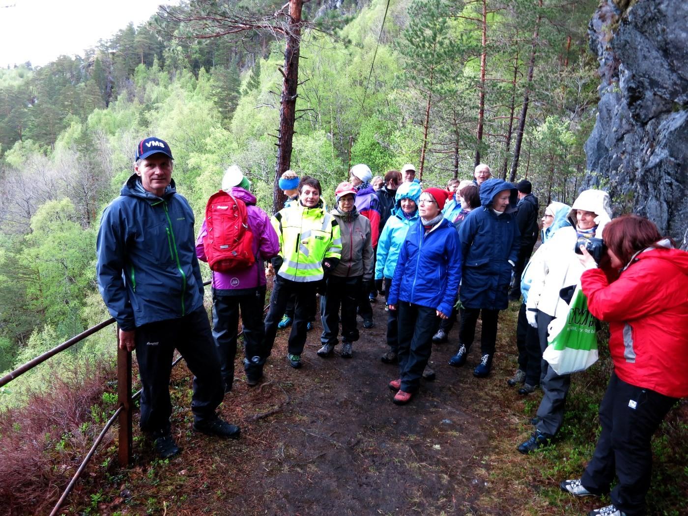 ARKIV:På StikkUT-tur med ordførar Lilly Gunn Nyheim og kjentmann Sven Olav Svinvik.   Foto: Driva/Jon Olav Ørsal