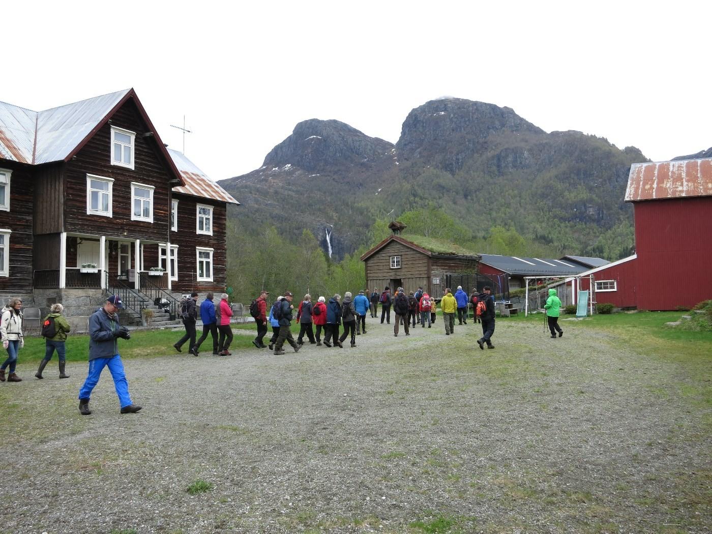 I helga inviterte historielaget til historisk vandring på Kårvatn.  Foto. Driva/Jon Olav Ørsal
