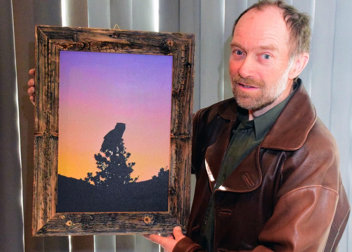 Nils Olav Talgøy opna si første separatutstilling på Tingvoll i helga.  Foto: Driva/Jon Olav Ørsal