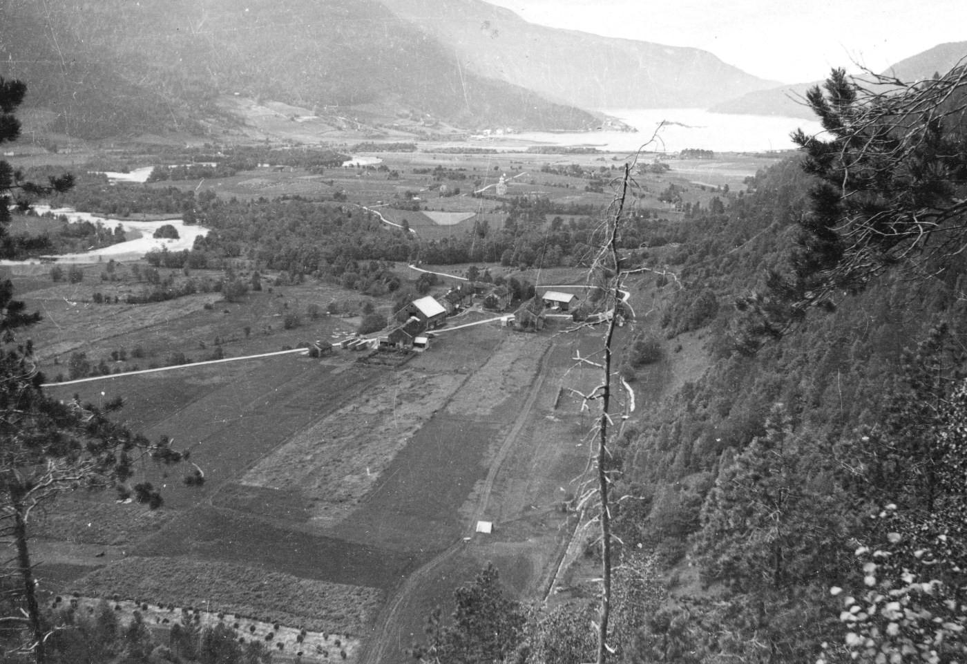 Slik vart utsikten frå Hylla på 1920-talet.  Arkivfoto Todalen historielag