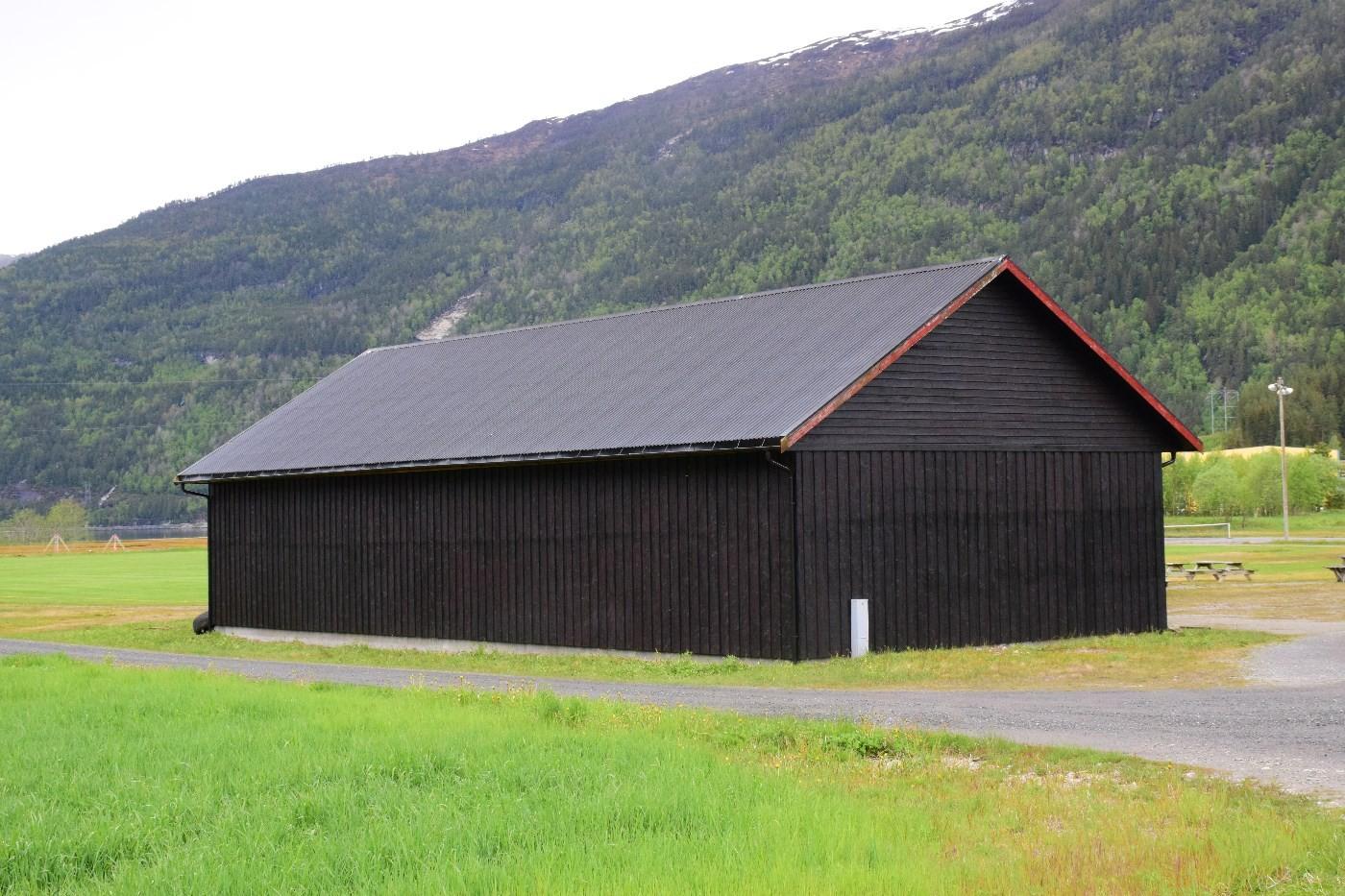 To veggar har alt fått første strøket - her går det unna!  Foto: Jon Olav Ørsal