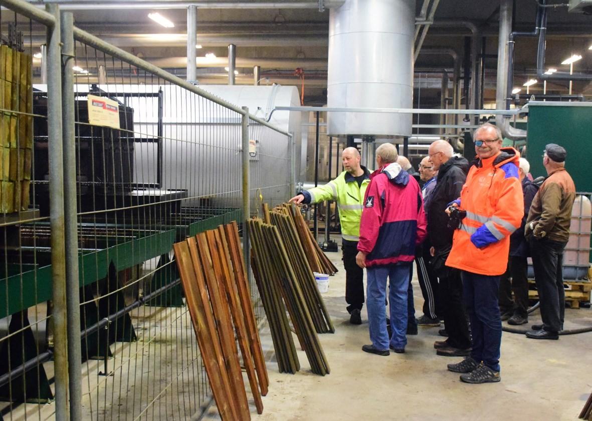 Omvisning i det nye heilautomatiske royalanlegget.  Foto: Driva/Jon Olav Ørsal