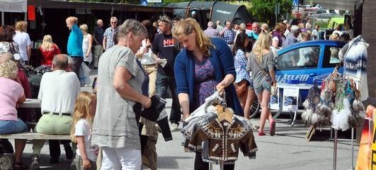 Arkivfoto frå marknadsgata.  foto: Norsk laksefestival