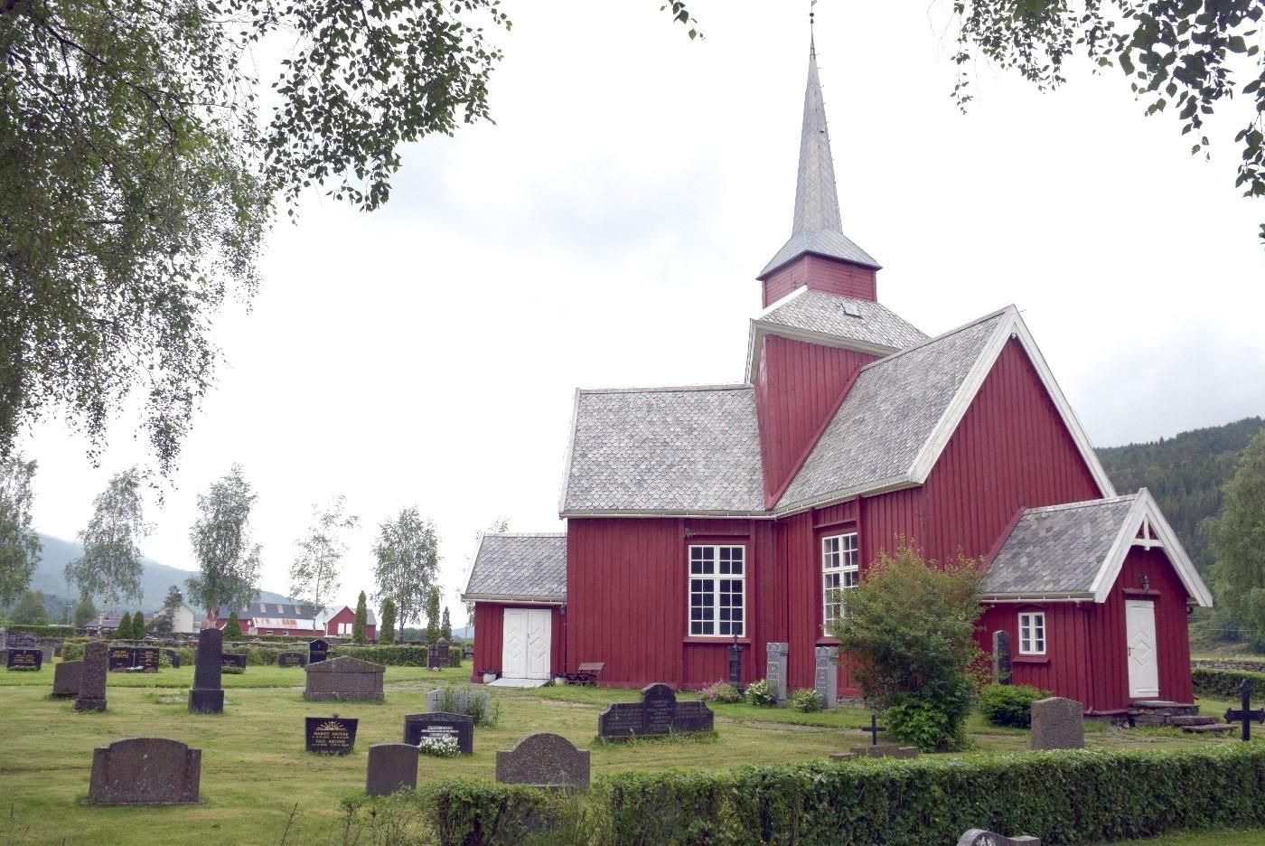 Gudsteneste på tysk i Mo kyrkje.  Foto: Driva/Jon Olav Ørsal