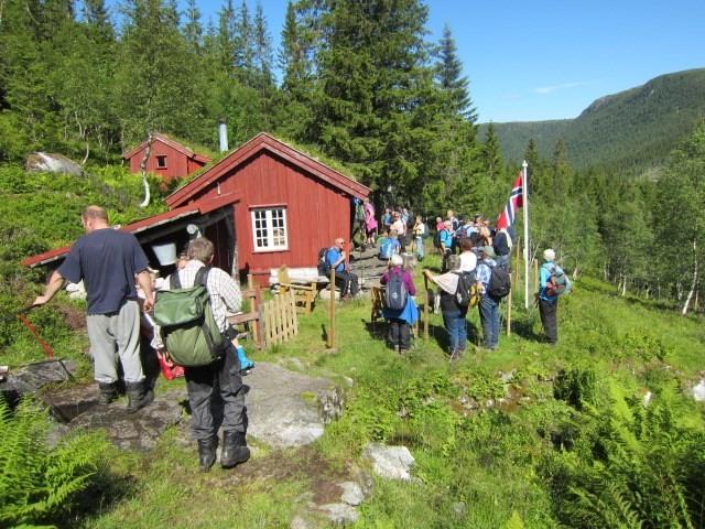 Ola Grimsmo hadde heisa flagget for oss!  Foto: Marit Haugen