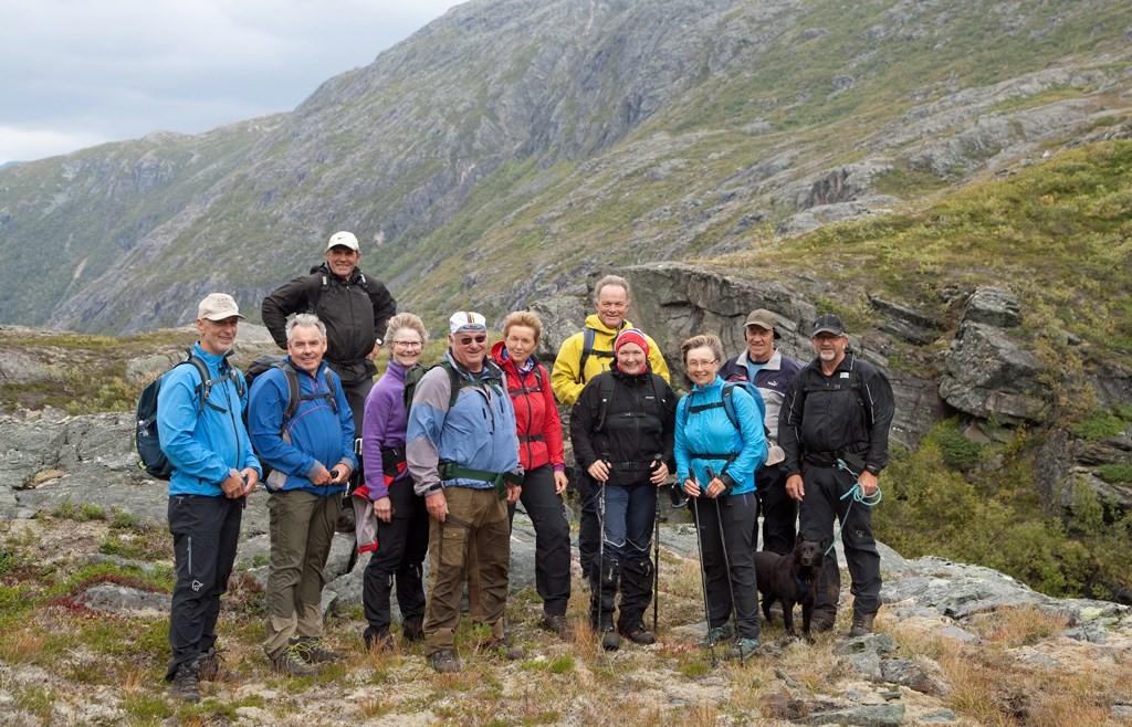12 deltakere på turen. Vi gikk til sammen 15 km, kunne Ole fortelle. Foto: HEF