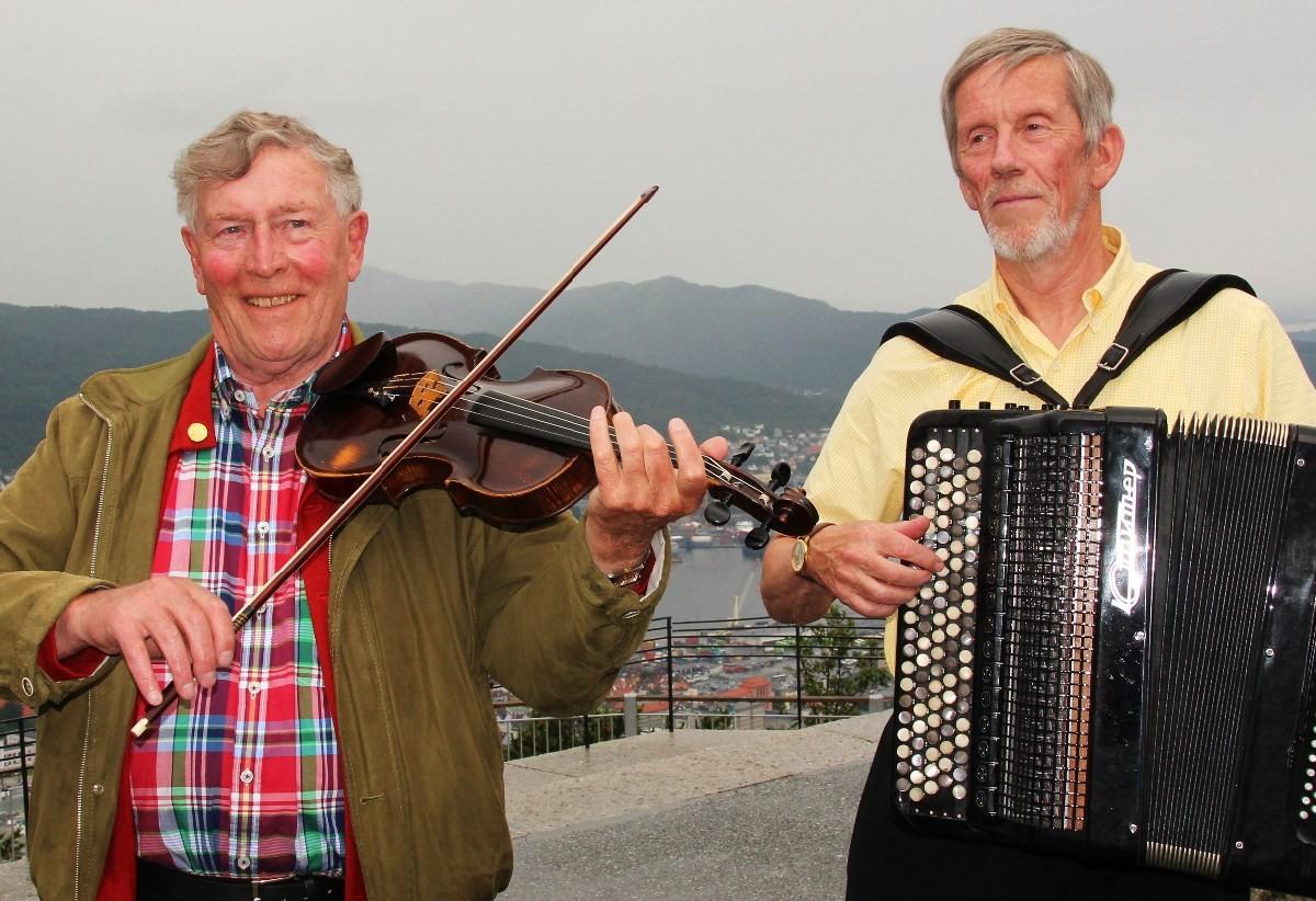 Sven Nyhus og Jon Faukstad kjem til Todalen tysdag