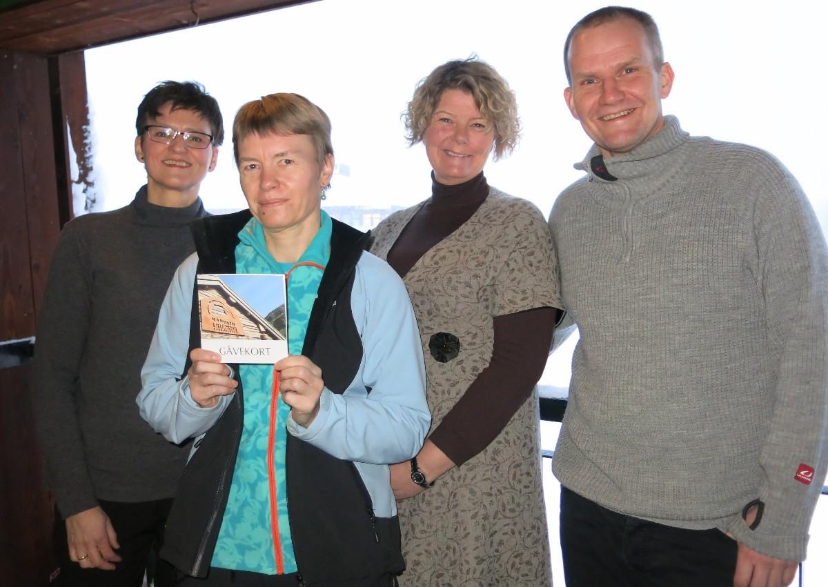 Frå venstre Trine Glåmen, Halsa, vinnaren Asbjørg Vaagland, Lilli Husby, Surnadal, og Morten Møller, Rindal. Foto: Dordi J.H.