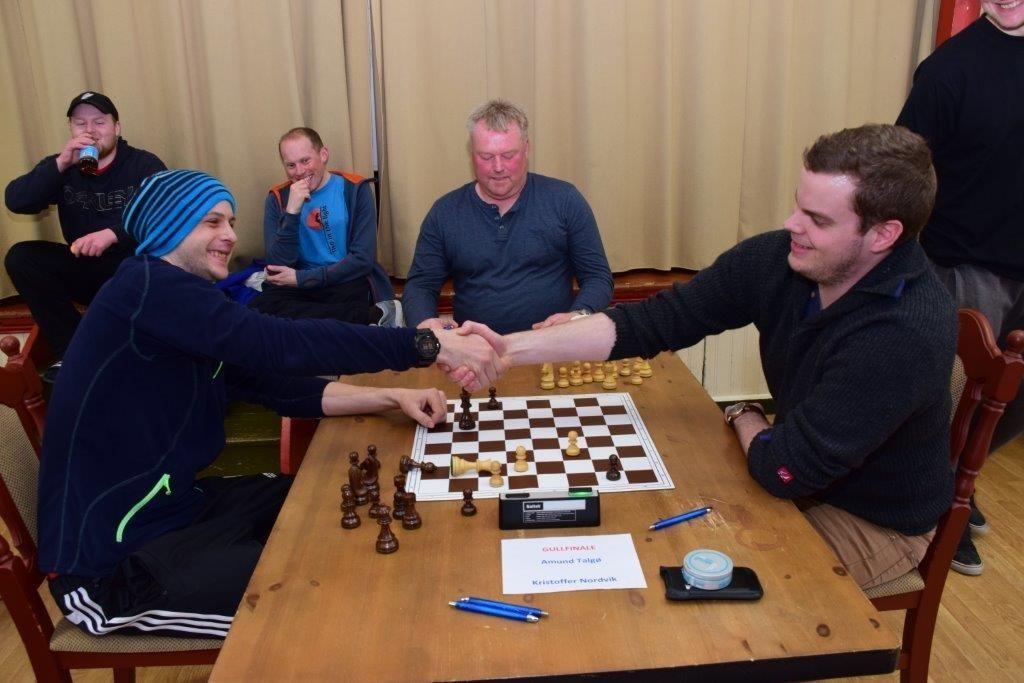 Amund Talgø  trekte det lengste strået i kampen mot Kristoffer Nordvik.  Foto: Jon Olav ØrsaL