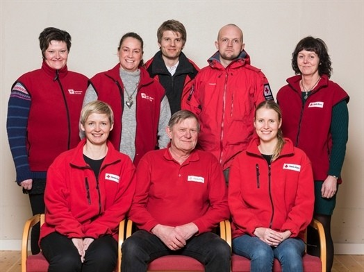 Bak (fra venstre): Elin, Marit, Christian, Lars og Martha. Foran: Anne, Reidar og Marianne.