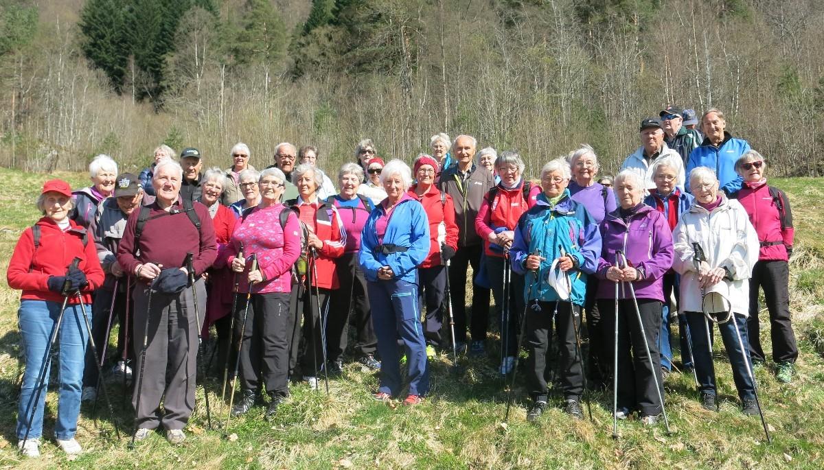 Fin dag for 35 stavgangarar i Svinvika. Foto: Dordi J.H.
