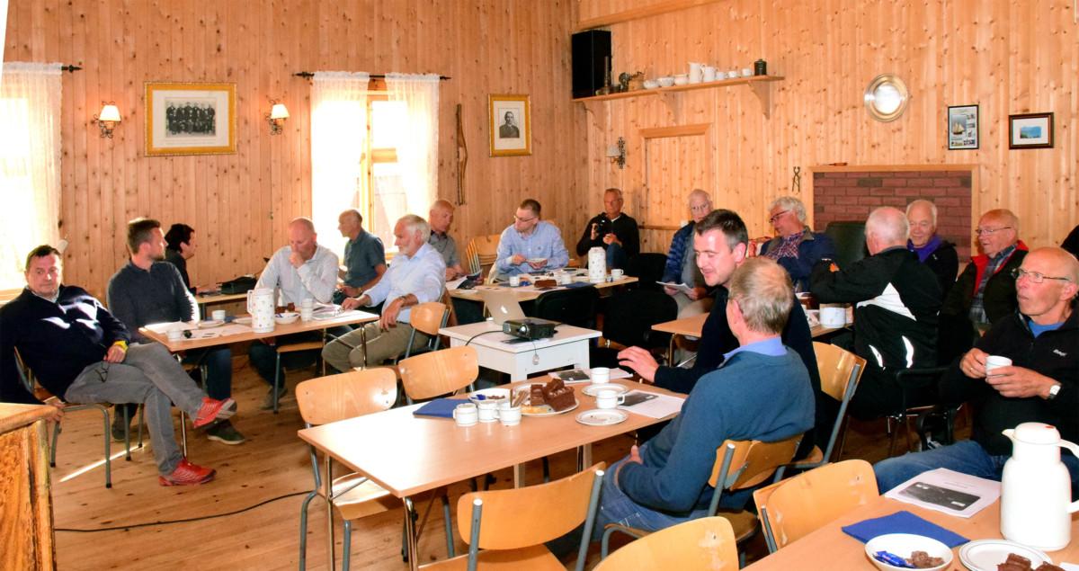det var rundt tretti deltakarar på folkemøtet på Nordvik.  Foto. Jon Olav Ørsal.