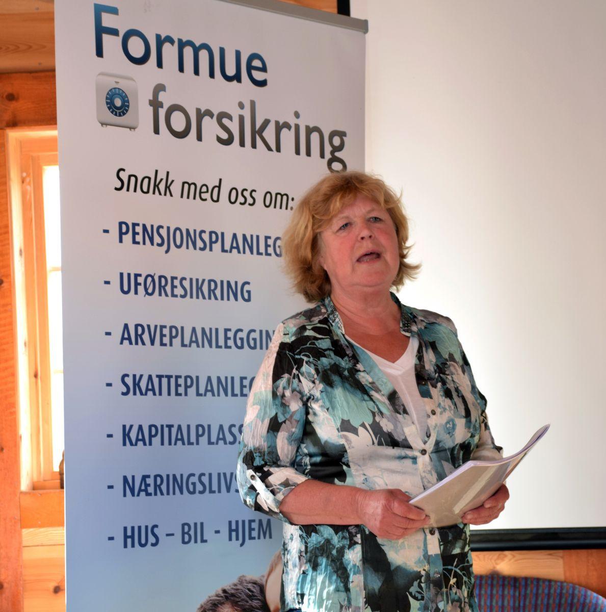 Synnøve styrer verksemda si frå kontoret oppå Nessalofta.  Foto: Jon Olav Ørsal