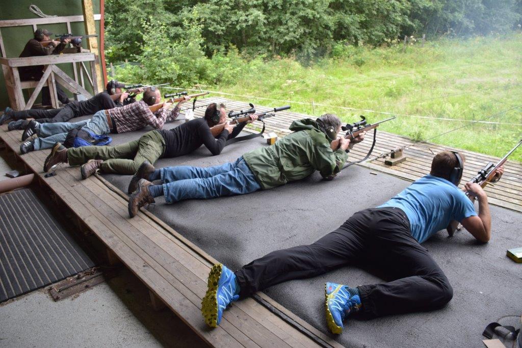 Mot skivene 5 skudd - ild.  Foto: jon Olav Ørsal