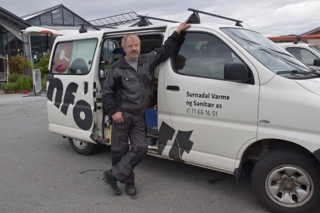 48 år med rør er no - til jul blir det slutt, seier Knut Stavik.  Foto: Jon Olav Ørsal