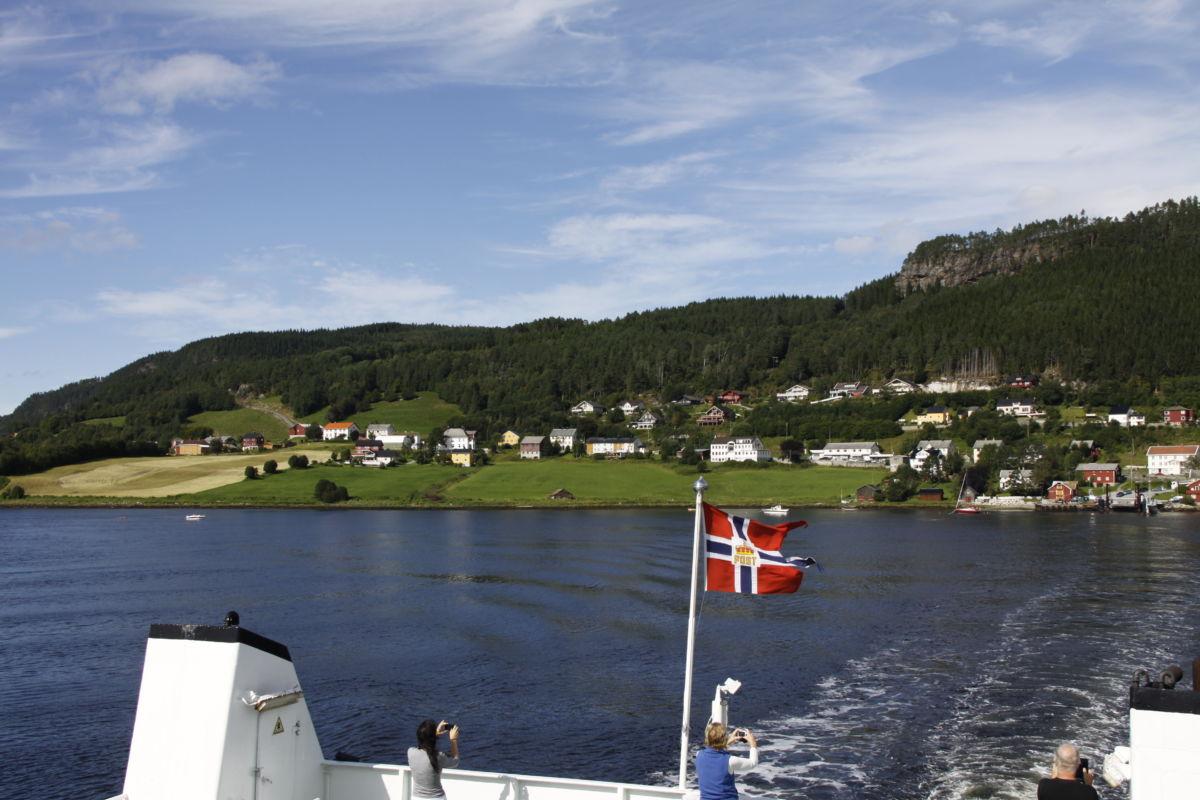 Bygdebokkontoret kjem på fotografering i «gamle Stangvik»