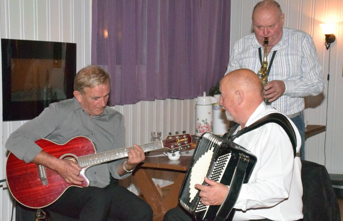 Med Ola Baardset på laget vart det ein trio! Foto: Jon Olav Ørsal