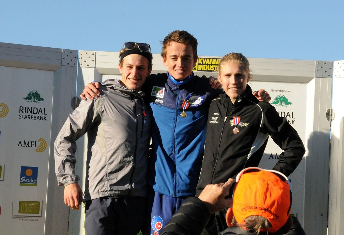 Klar for Nordisk: Stian Øvergaard Aarvik, IL Gneist, ble juniornorgesmester foran Birk Nagell Skogland, Haugesund Triathlon Klubb og Simen Halle Haugen, IL Runar. Alle disse er også kvalifisert for å Nordisk mesterskap i Kristiansand i november.