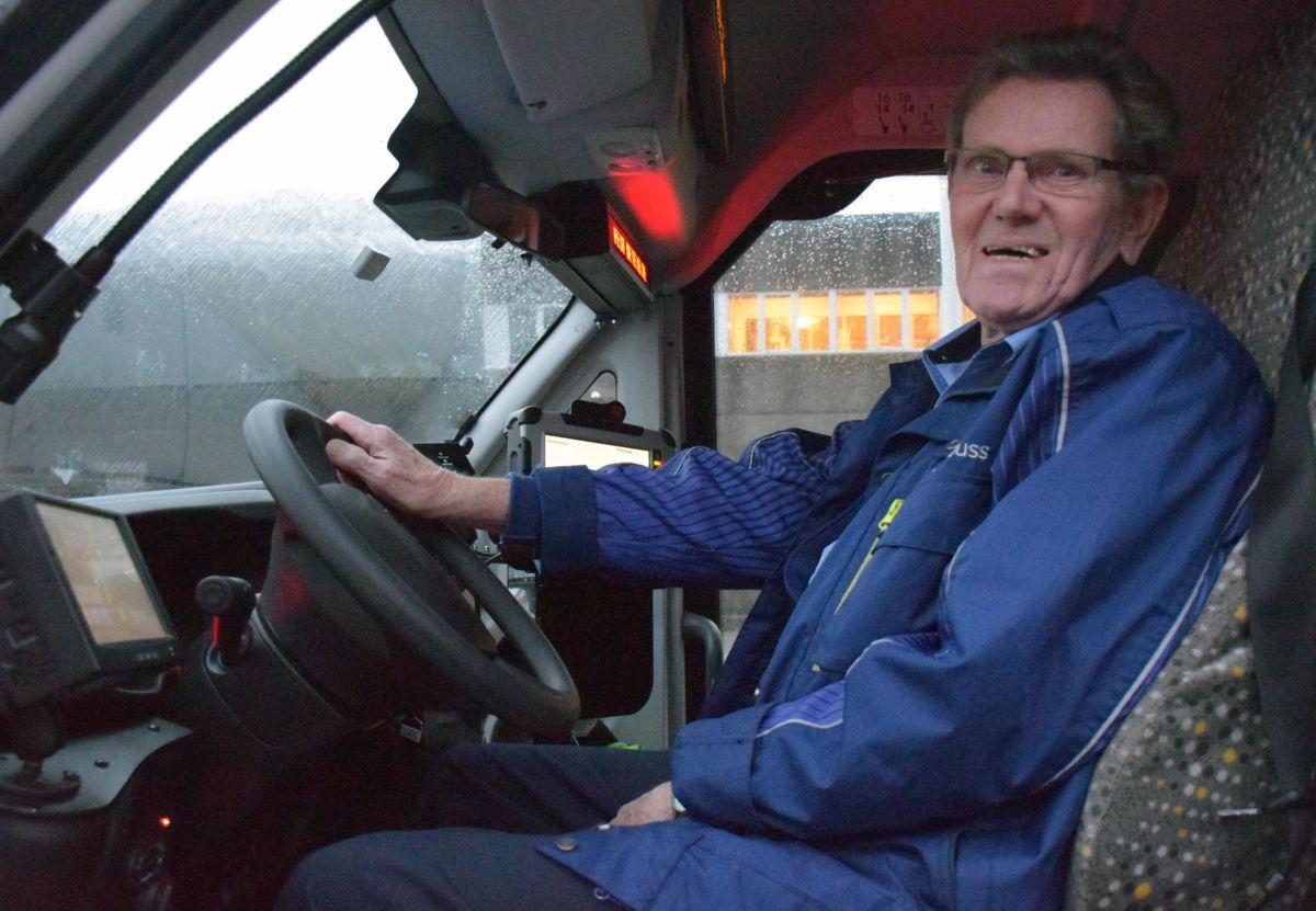 Siste dagen som bussjåfør etter 50 år attafor rattet.  Foto: Jon Olav Ørsal