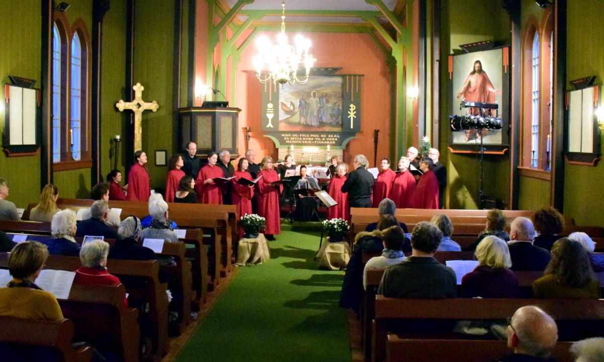 Julekonsert i Todalen kyrkje - foto: Driva/Jon Olav Ørsal