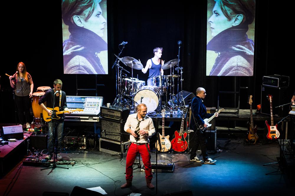 Storkonsert i kveld: Hyllest til Bowie