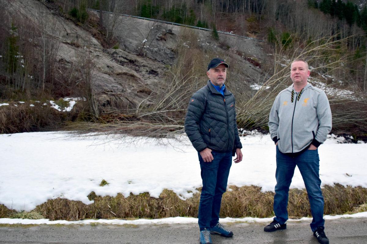 Kommunen er på vakt - laurdag trefte vi Olav Rønning og Michal Heimlund som inspiserte rasområdet.    Foto: Jon Olav Ørsal