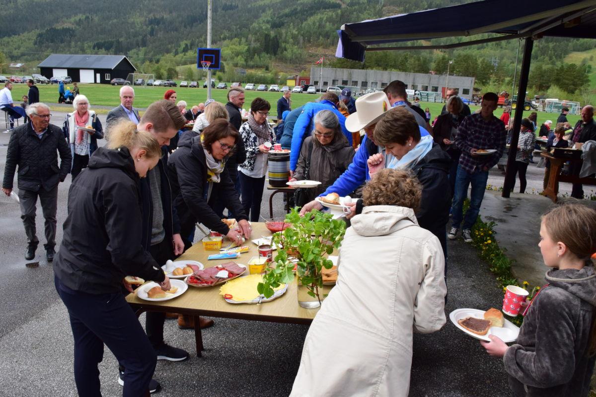 Populært med friluftsfrukost på Bordholmen.  Foto: Jon Olav Ørsal