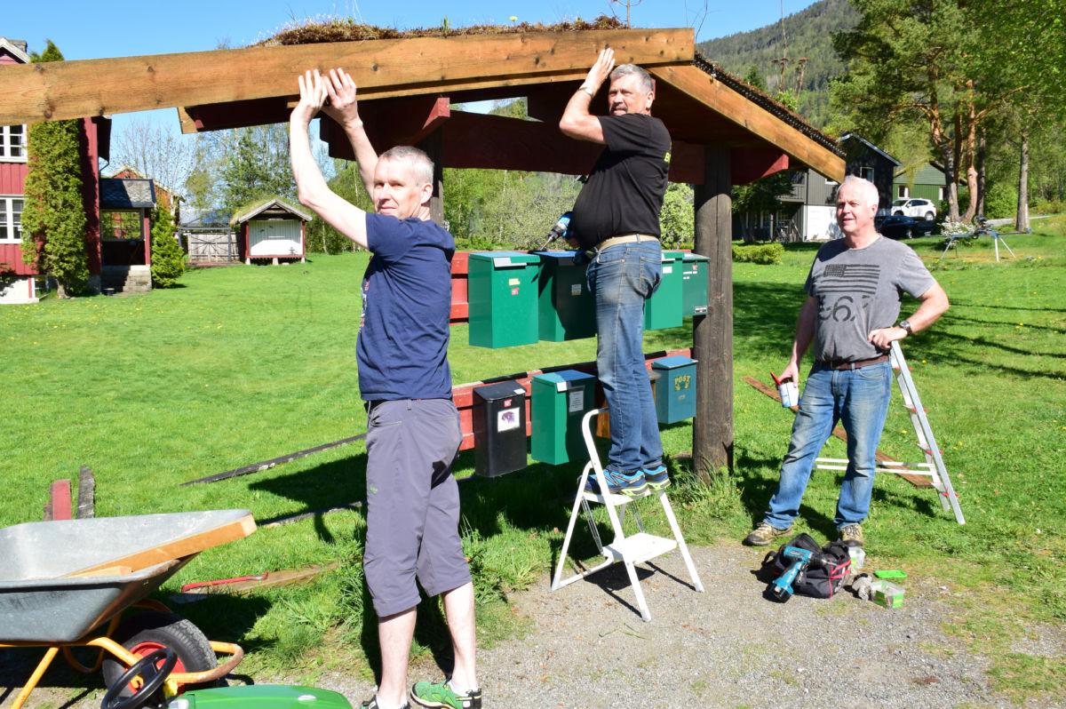 her blir det nye vassbord!  Frå venstre Kjetil Sogge, Anders Todalshaug og Rune Moe.  Foto: Jon Olav Ørsal