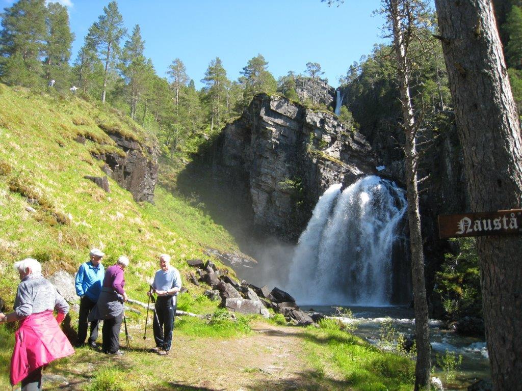 Stavgang til Nauståfossen denne veka.    Arkivfoto: Sigrun Ørsal