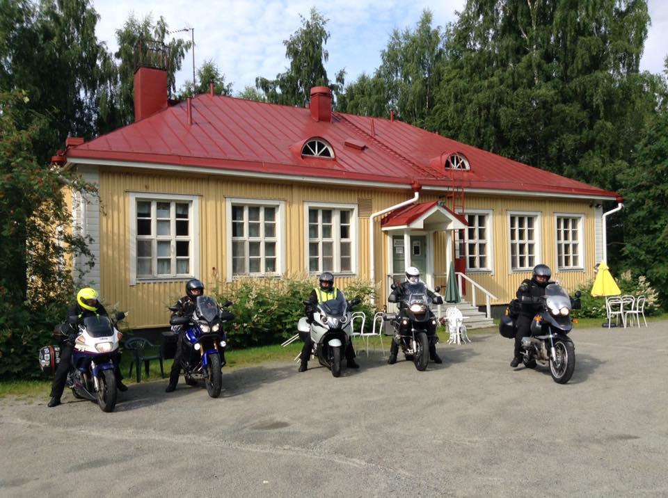 Nedlagt skole i Joensuu i Nord Karelen. Her ble det sikkert spilt inn finsk fjernsynsteater på 70 tallet. Vi leide lærerboligen.