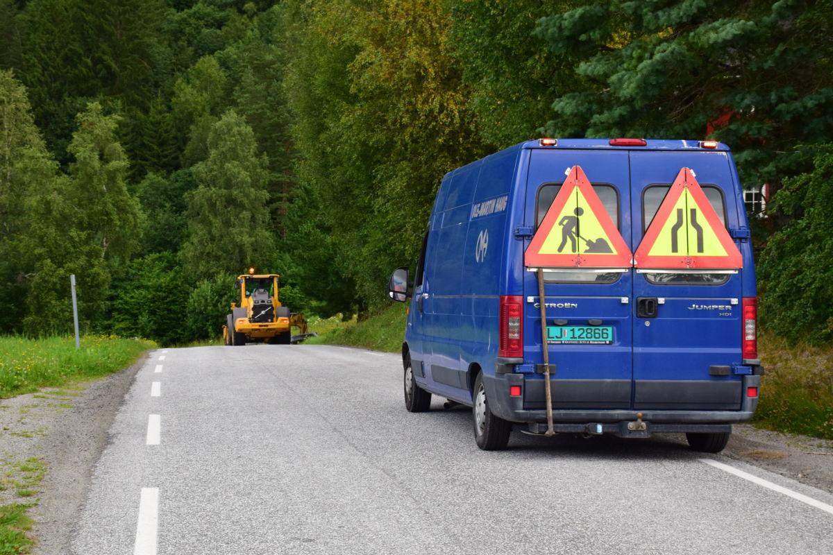 Kantpuss på FV671 inn til Todalen.  Foto: Jon Olav Ørsal