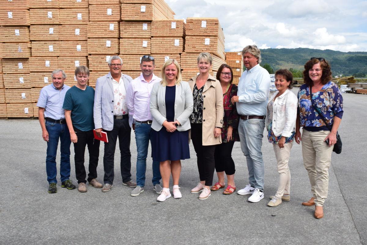 Deltakarar på møtet på Talgø MøreTre.  Foto Jon Olav Ørsal