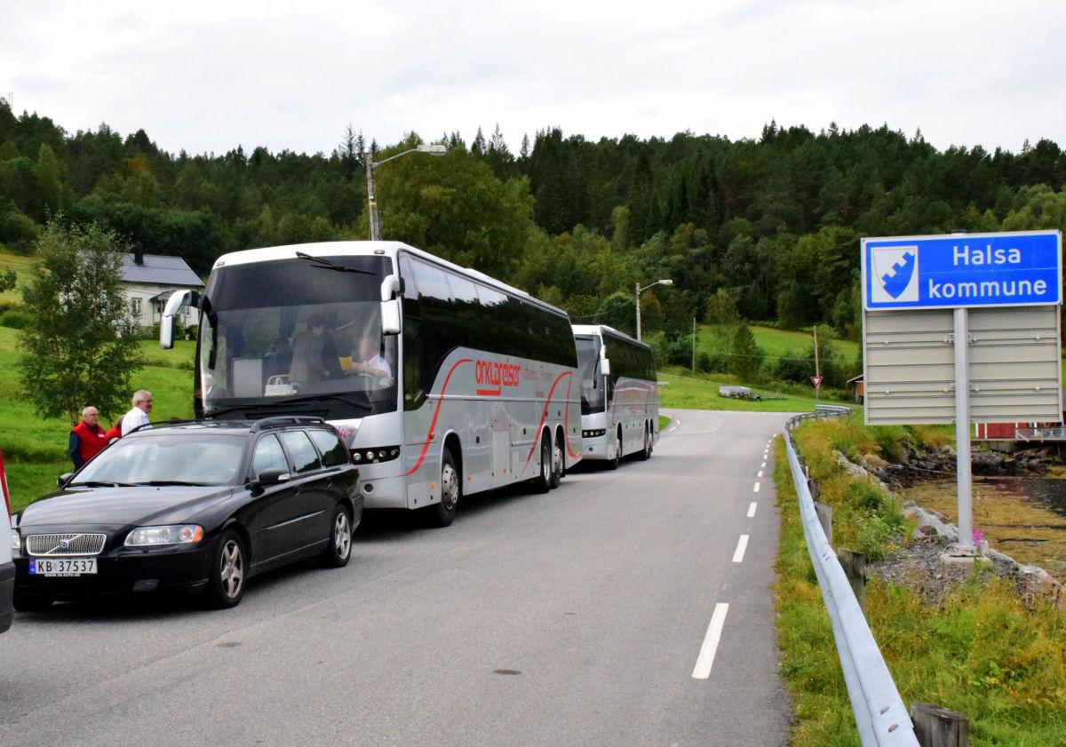 I ferjekø på Hendset for å kome over til Aure og Tustna.  Foto: Jon Olav Ørsal