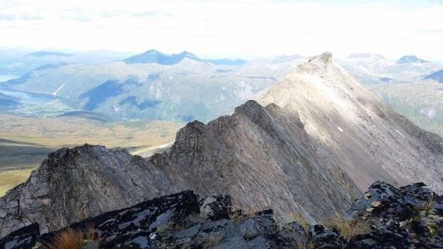 Utsikt bortover Skjerdingfjellet - det blir en luftig tur!  Foto: Trollheimen klivarlag