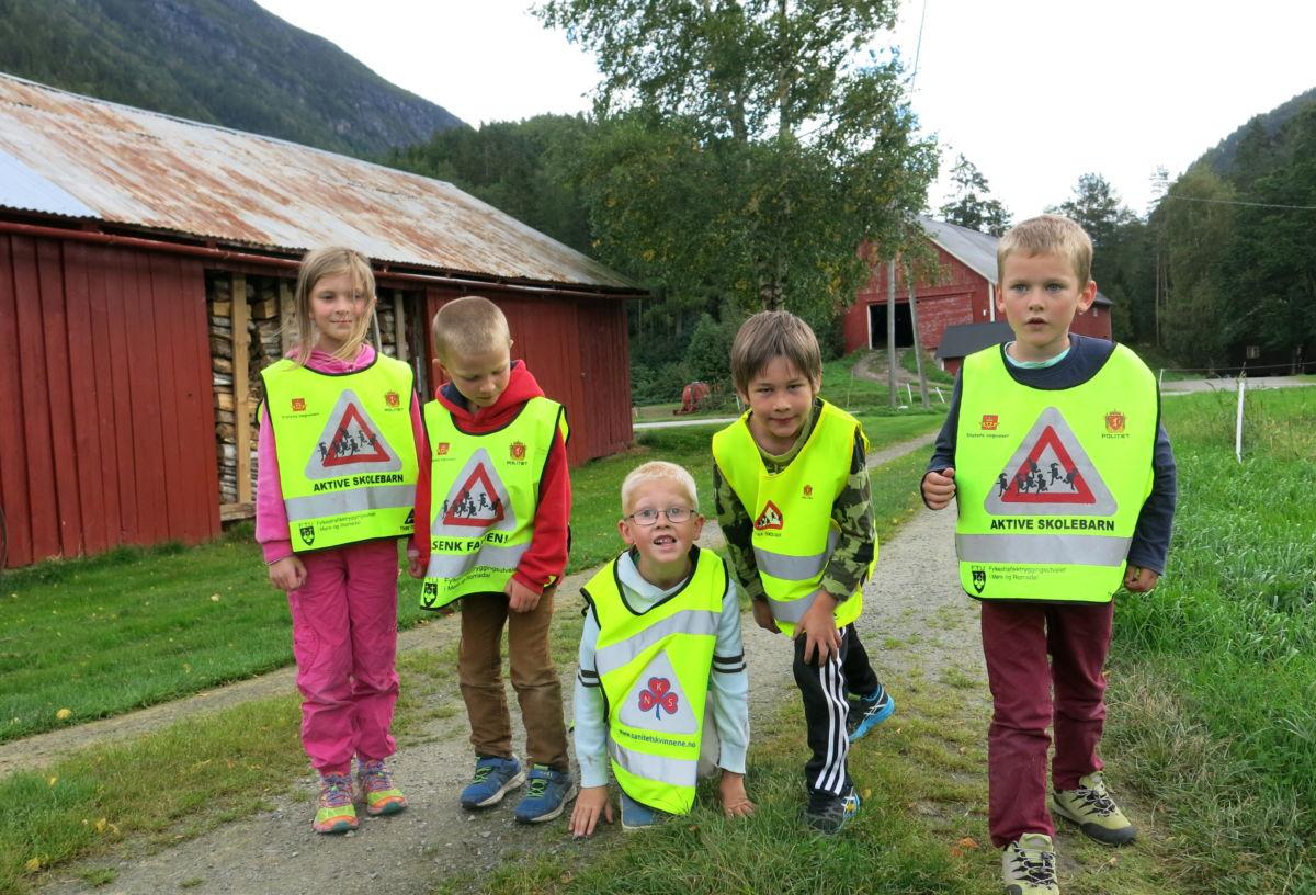 Ivrige deltakarar i skulejoggen i 2015. Foto: Dordi J H