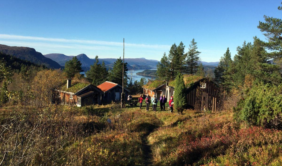 Nordviksetrene ligg fint til. Foto: Dordi J H