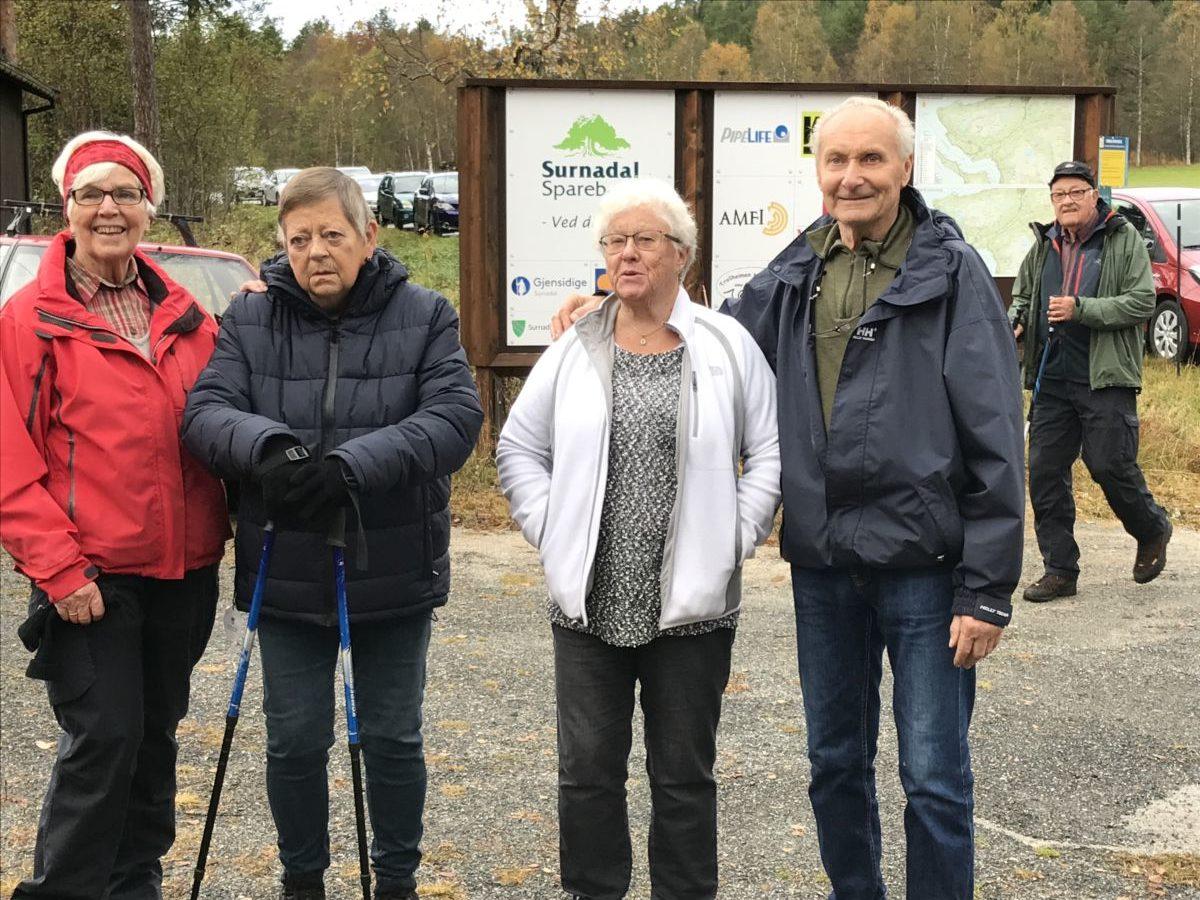 Sesongslutt på Vang!  Frå venstre Bjørg Bruset, Grete Torvik, Randi Sogge, og Vidar Sogge.  Foto: Wenche kvendset