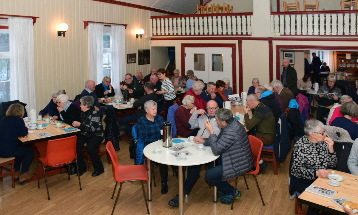 Boksleppet til Todalen historielag samla rundt 70 historieinteresserte i ungdomshuset.  Foto: Jon Olav Ørsal