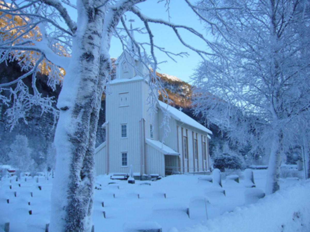 Todalen kyrkje - arkivfoto: Anders Gjeldnes