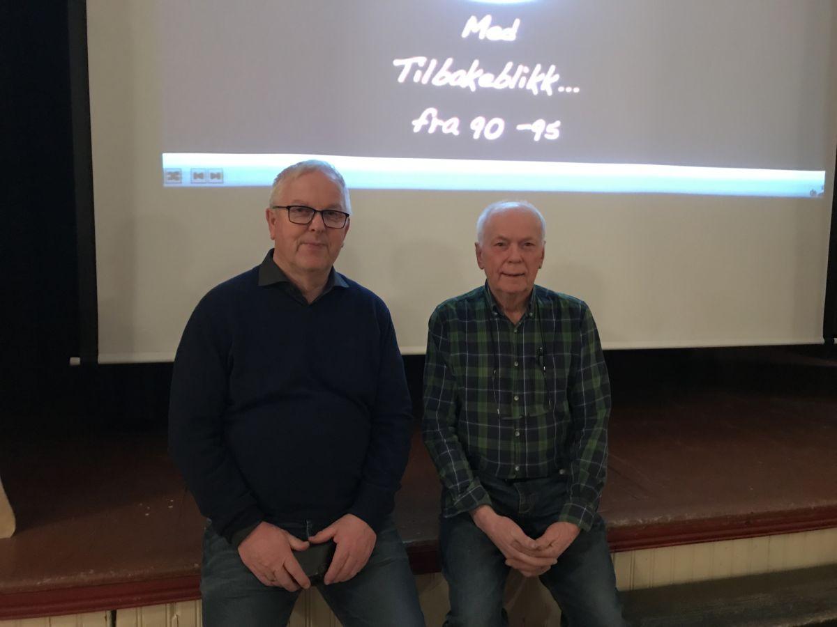 John Moe og Svein Åge Saksen ønsker vel møtt til filmkveld. Foto: Dordi J H