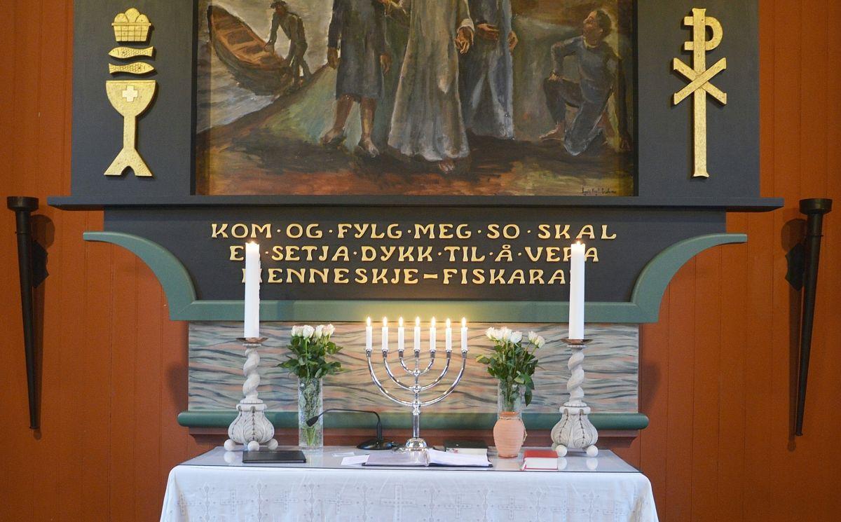 Kyrkjepåske b Todalen ALTARET