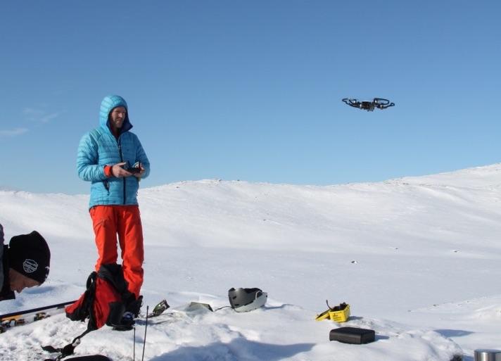 Dronefilm frå helgas renn på Kårvatn