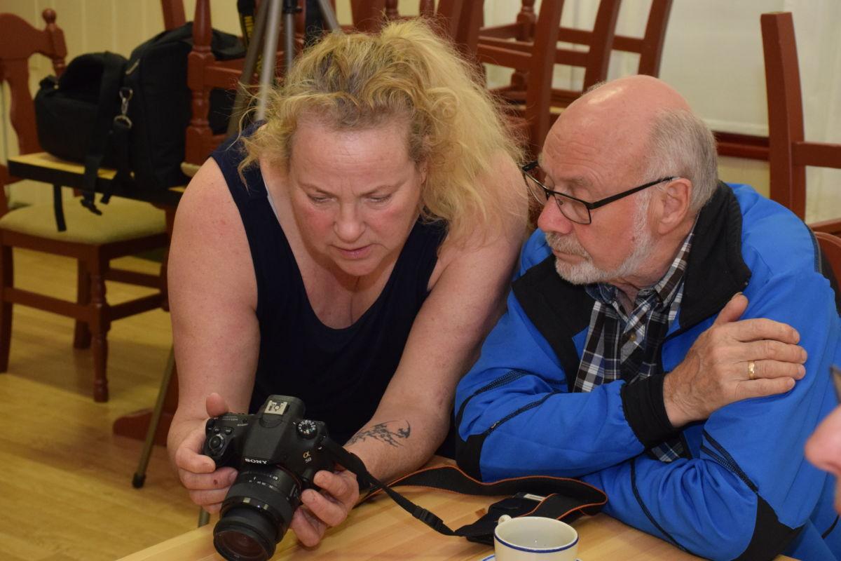 Fotokurs i ungdomshuset i regi av Todalen.no og Surnadal fotoklubb.  Foto: Jon Olav Ørsal