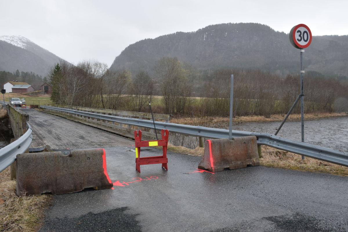 Snart klart for personbiltrafikk over Øyabrua igjen.  Foto: Jon Olav Ørsal