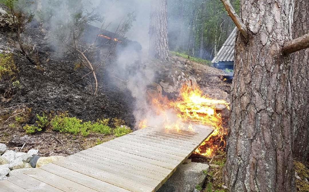 Avverga brann i retning naust
