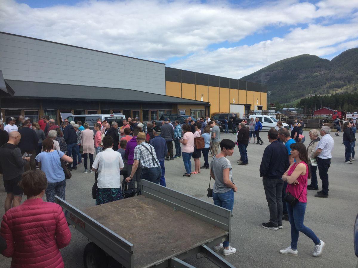 Rekordoppmøte på Talgøs lagersal på Vinstra... Foto: ET